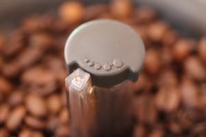 Delonghi Kaffeemaschine Mahlwerk Einstellen : Mahlgrad einstellen und auf kaffeebohne abstimmen