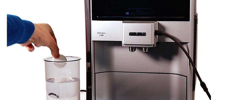 mit Deckel schwarz für verschiedene Kaffeeautomaten Bosch Wassertank kompl